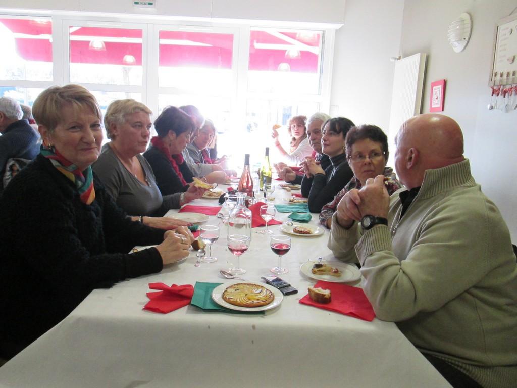 Restaurant entre bénévoles Andra et amis