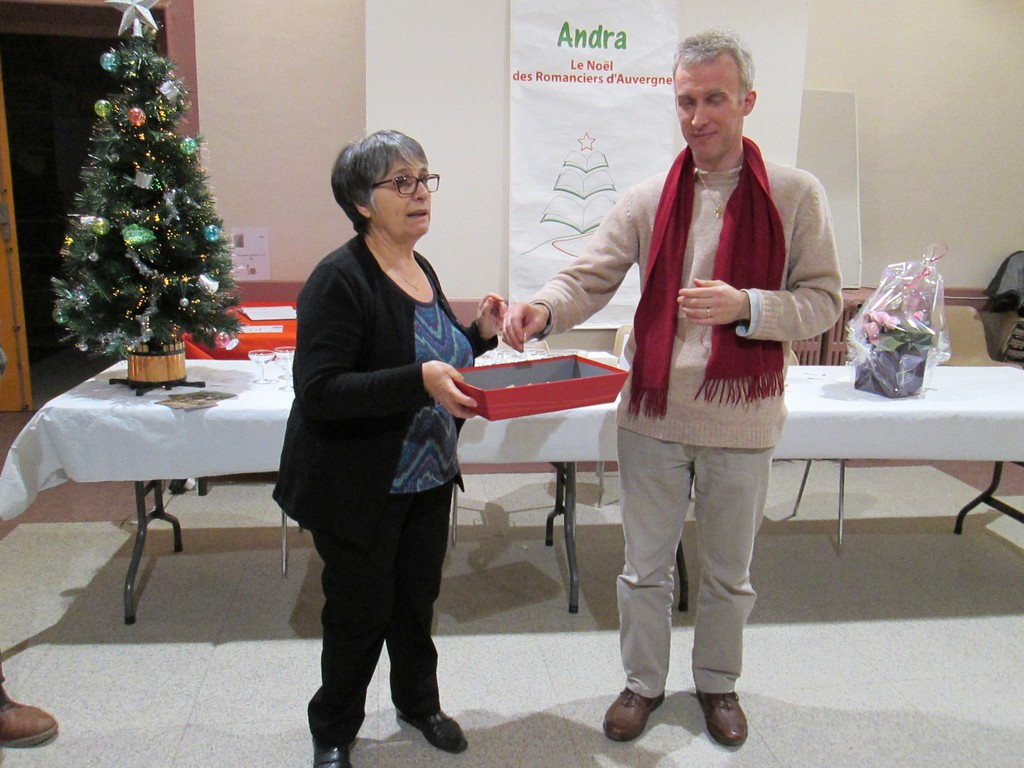 Sylvain Clément, prix du Jury et main innocente tirage au sort 12 livres offerts aux visiteurs.