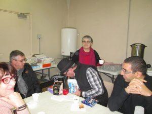 Petit à petit les auteurs se rassemblent autour du petit-déjeuner.