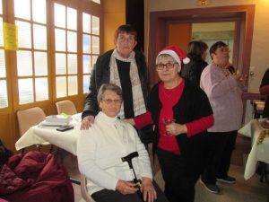 Gaby Fournier, fidèle lectrice, Mireille Glachet, présidente du comité des fêtes Ebreuil